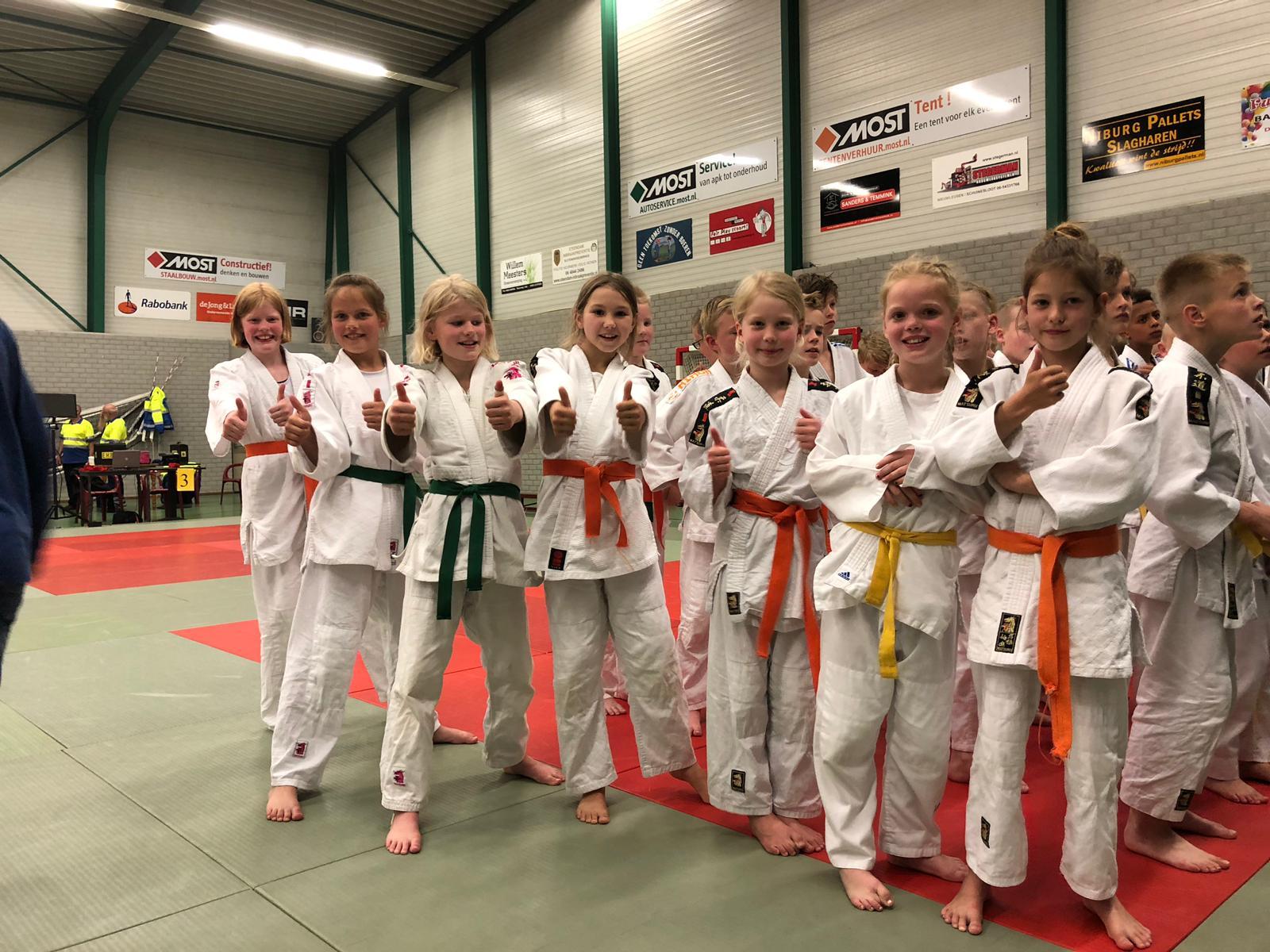 19-05-25-Dames-Slagharen-2019